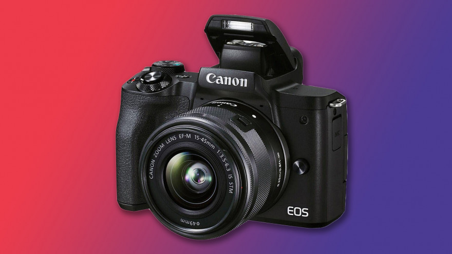 Super sconto per Canon EOS M50 II: il kit con lente 15-45 mm è al miglior prezzo Amazon