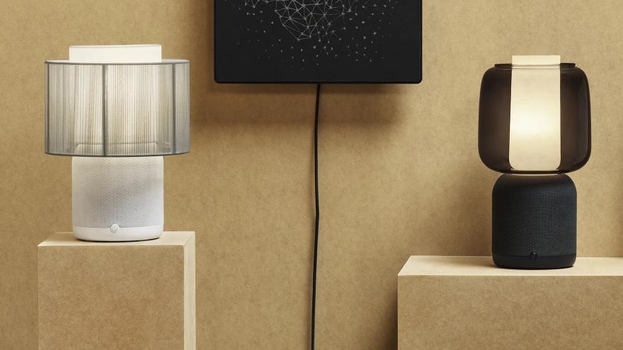 IKEA e Sonos hanno annunciato la loro ultima lampada-altoparlante Symfonisk con il nuovo design