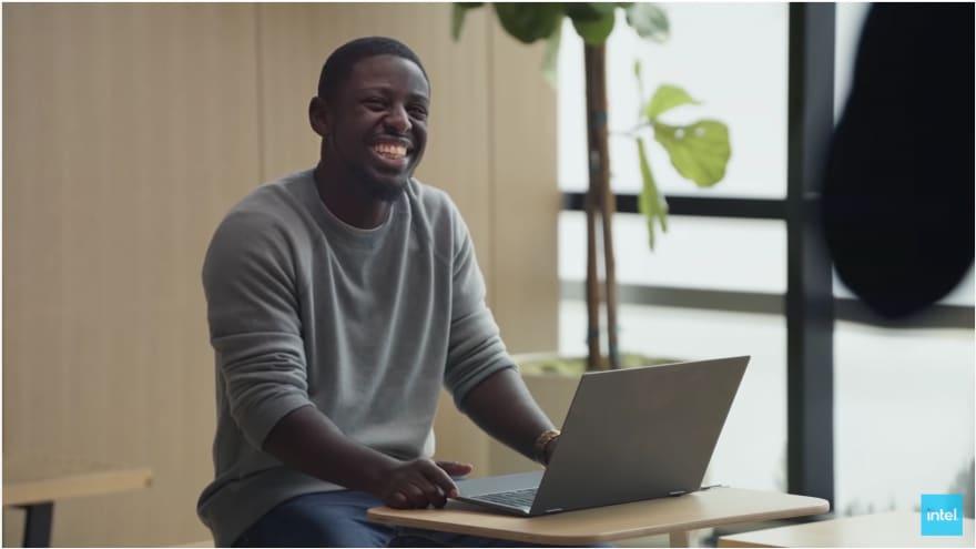 I tentativi di Intel di screditare i MacBook stanno scadendo sempre più nel ridicolo