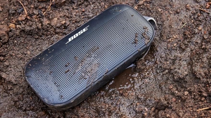 Bose rivela il nuovo altoparlante SoundLink Flex robusto e dal suono accattivante