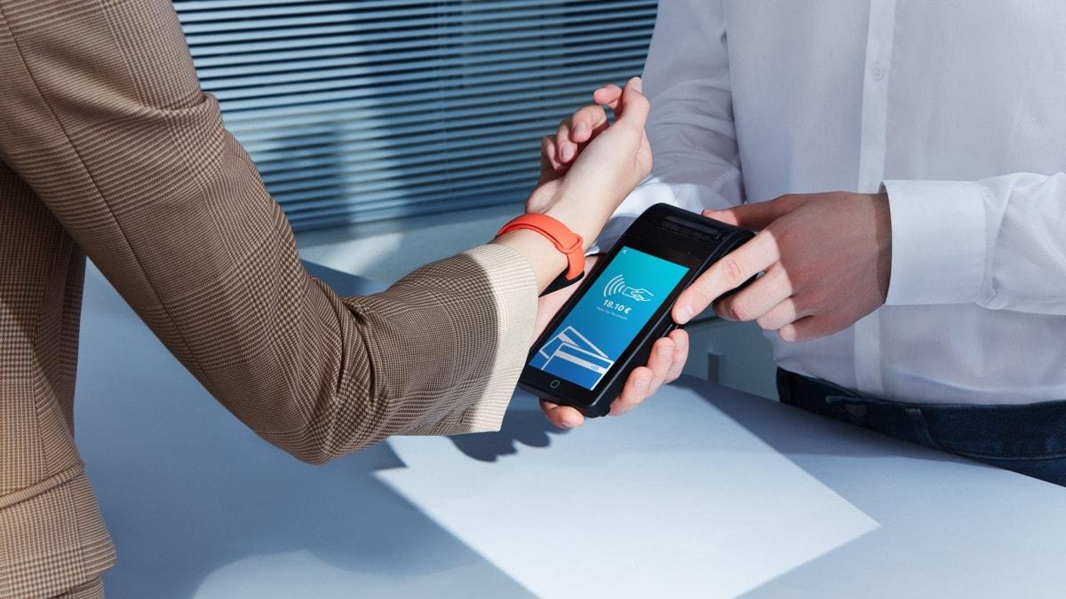 Xiaomi Mi Band 6 NFC arriva oggi con una …