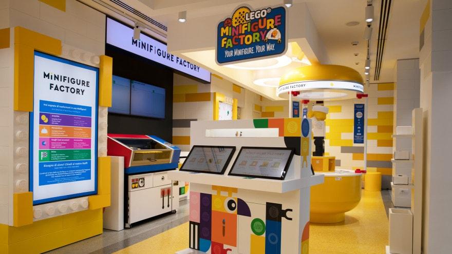 Provate la nuova Minifigure Factory al LEGO Store di Milano San Babila!