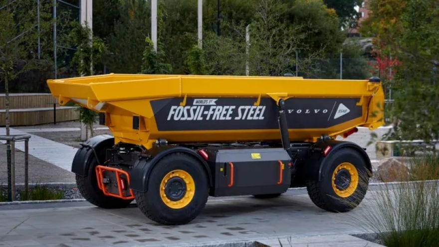 Volvo presenta il primo veicolo al mondo fossil-free (o quasi)