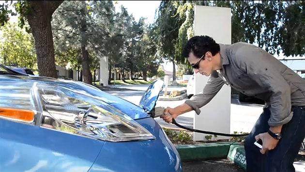 Nissan offre due anni di ricariche gratis per i suoi veicoli elettrici