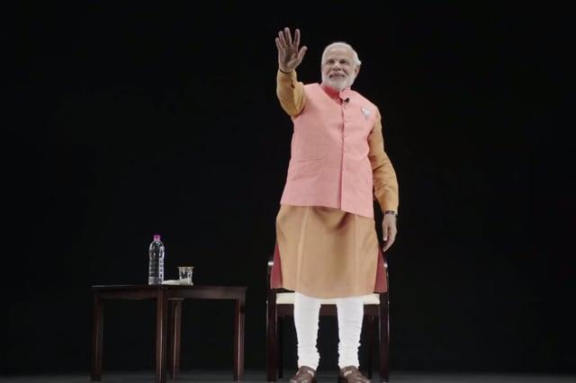 Politico indiano usa un ologramma per i propri comizi (video)