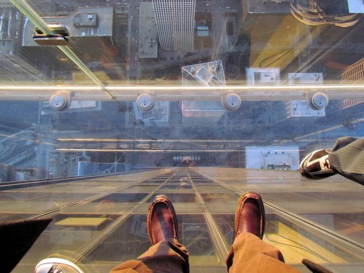 Trovarsi su un vetro che si rompe... a 103 piani d'altezza