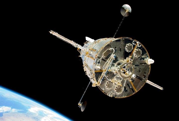 """Hubble continua a fare grandi scoperte: identificate 6 galassie """"morte"""" dall'alba dell'universo"""