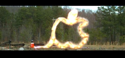 L'esplosione a rallentatore di un Mac Pro pieno di C4 (video)