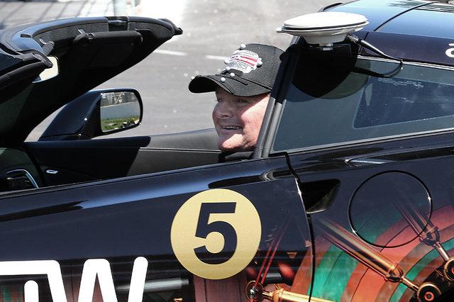 Un pilota da corsa paralizzato parteciperà alla Indy 500