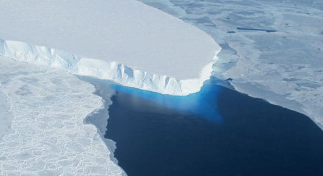 Una grossa massa di ghiaccio nell'Antartide sta per collassare (video)
