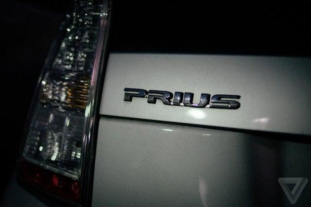 Toyota studia auto fluttuante