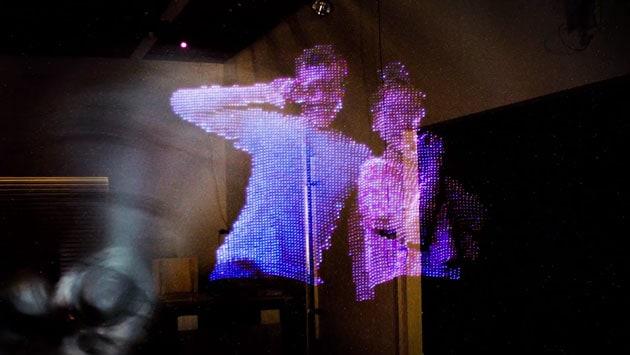 Il robot che crea quadri di luce