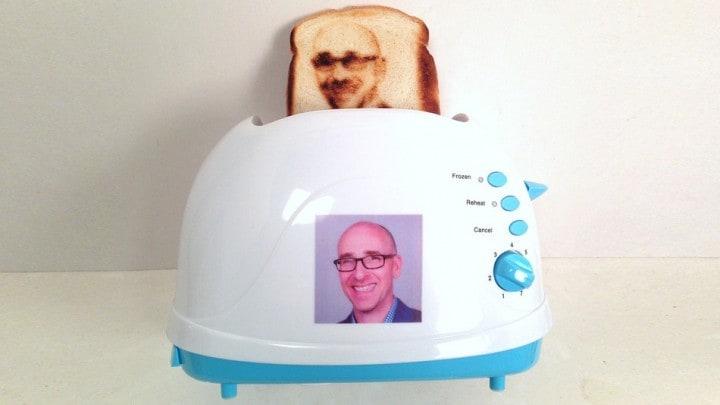 Volete la vostra faccia su un toast?