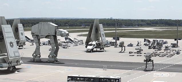 Un aeroporto trasformato in base Imperiale (video)