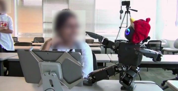 bambini insegnano a robot angry birds