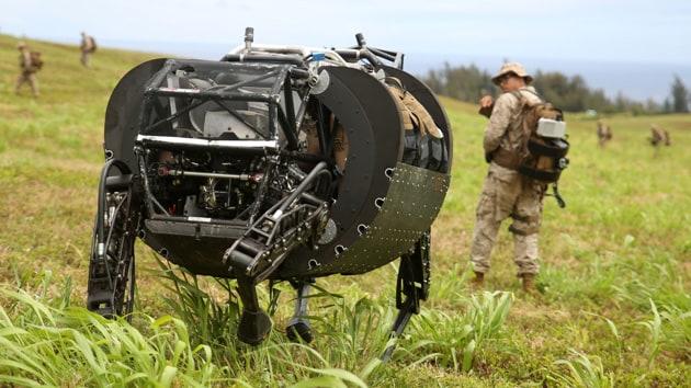 Alphadog al primo test sul campo di battaglia (video)