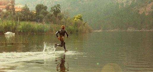 Quando dovremmo andare veloci per correre sull'acqua?