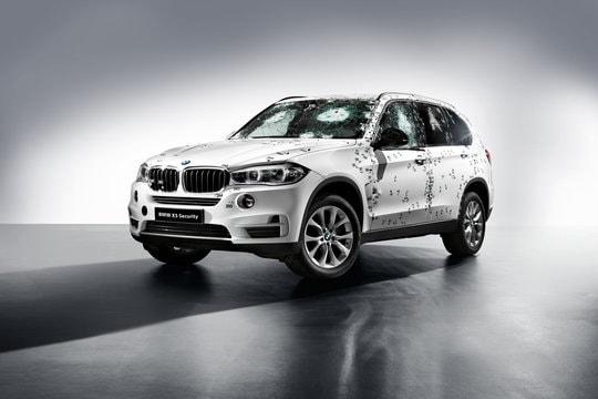 Come BMW testa i suoi veicoli blindati (video)