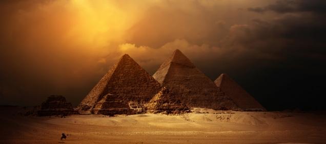 come egizi costruivano piramidi