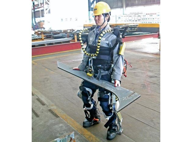 Come sollevare fino a 100 kg grazie all'esoscheletro di Daewoo