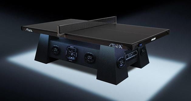 tavolo da ping pong futuristico