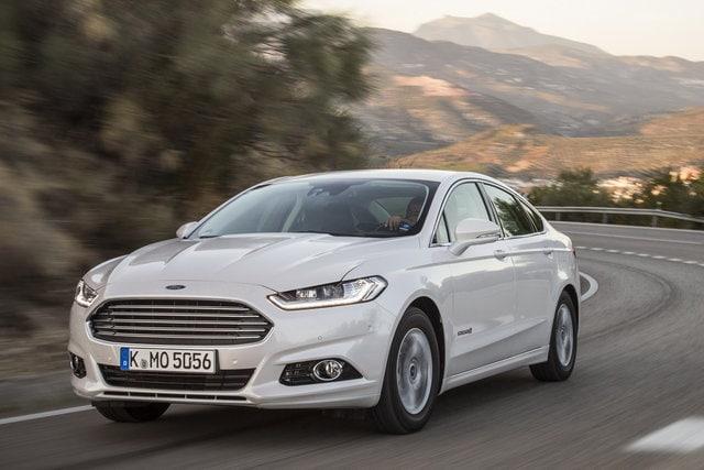 ford-mondeo-hybrid-2015_2