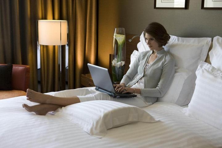 Gli hotel voglio vietare gli hotspot personali, ma Google e Microsoft danno battaglia