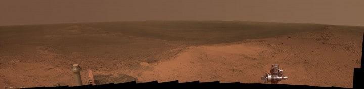 Il Mars Rover Opportunity festeggia l'anniversario dell'arrivo su Marte con uno spettacolare panorama