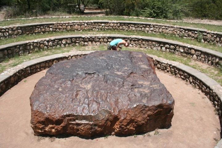 Hoba_Meteorite_2007