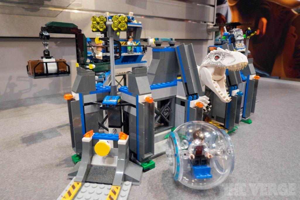 Lego Jurassic World_9