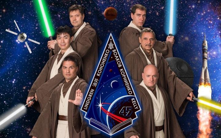 Gli astronauti con il senso dell'umorismo, conoscono il potere della Forza (foto)