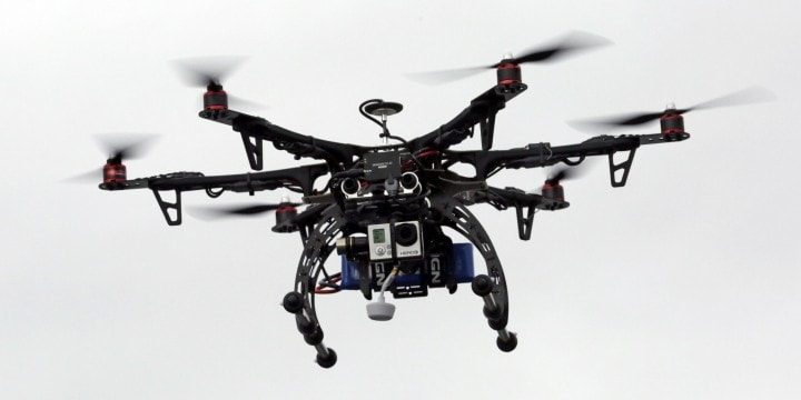 Il governo americano arma i propri droni per controllare il rispetto delle leggi sul volo