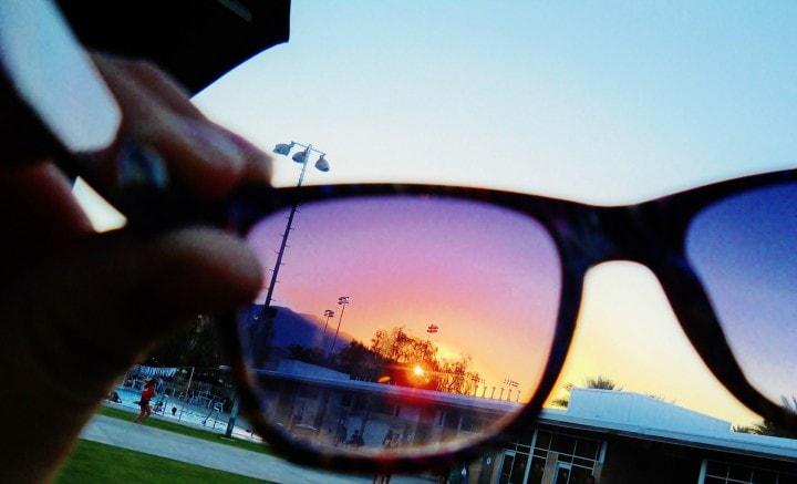 Sole Occhiali Che PulsantePer Da Lenti Con Un Cambiano Gli Colore 2HWEDI9