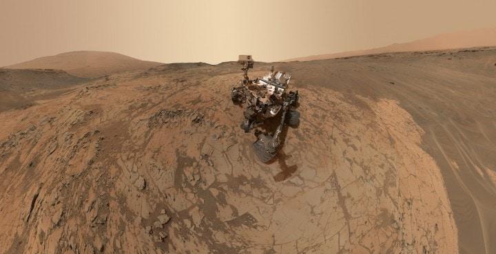 Il rover Curiosity invia un nuovo selfie da Marte (foto)