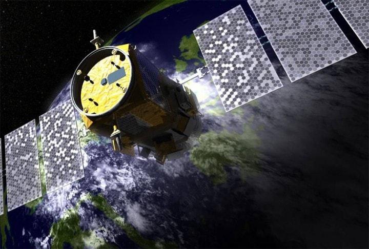 satellite esploso