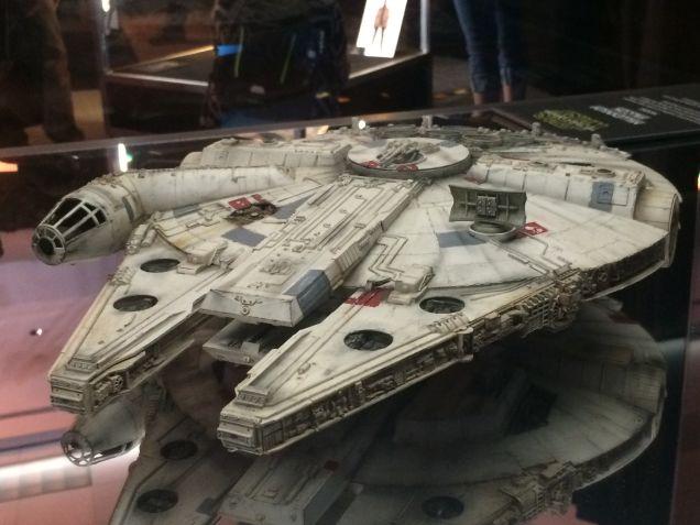 Millenium Falcon Star Wars 7  - 2