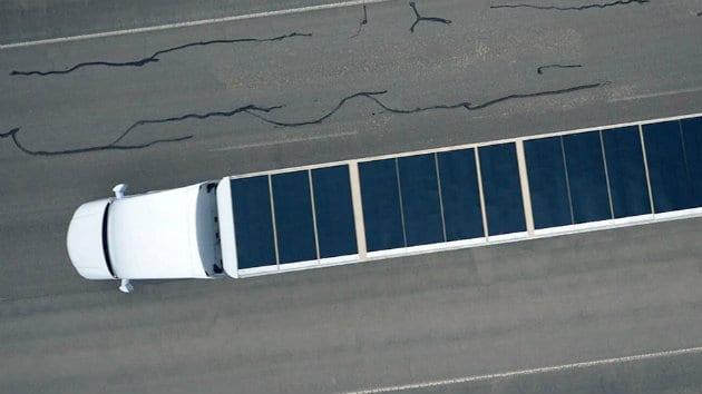 Il super camion è smart, ecologico e consuma la metà (video)
