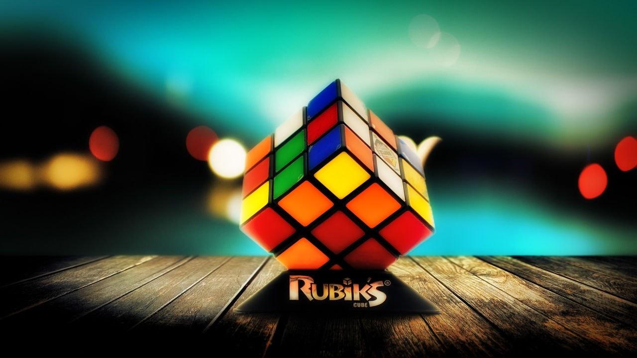 Guardate come si batte il record mondiale del cubo di Rubik (video)