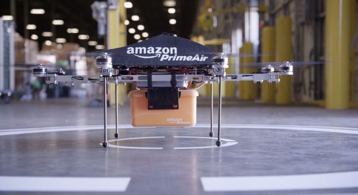 A breve le consegne dal cielo: Amazon testa i suoi droni
