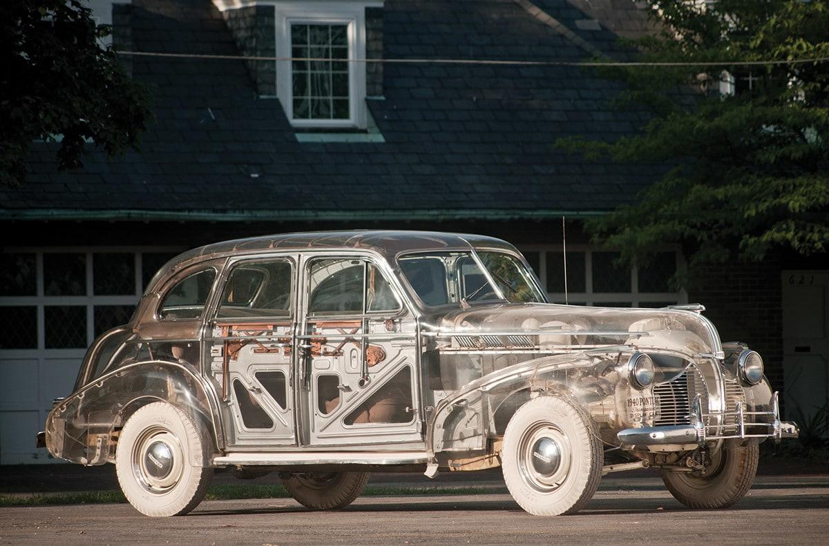 """Presentata da General Motors alla fiera mondiale del 1939-40, la Ghost Car era realizzata in collaborazione con la compagnia Rohm & Haas, creatrice del nuovo materiale chiamato """"Plexiglas""""."""