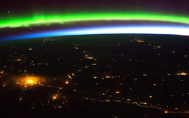aurora boreale vista dallo spazio