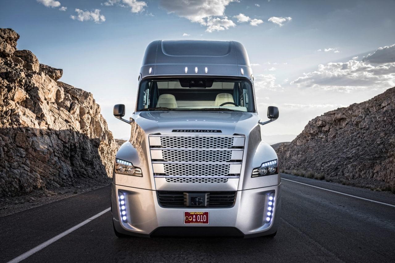 camion guida autonoma