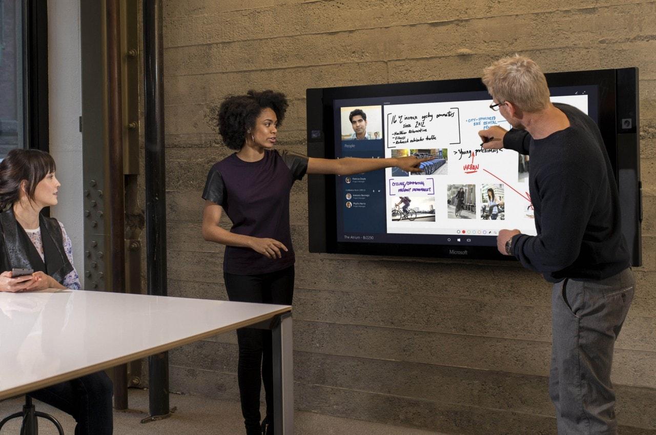 Microsoft ritarda ancora Surface Hub, che costerà anche 2.000$ in più