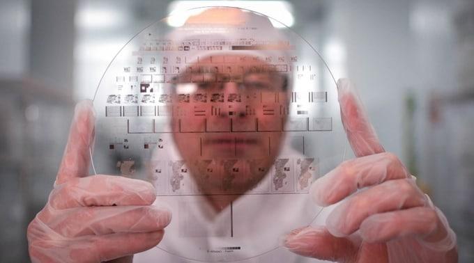 Nanoform ricordi sullo zaffiro