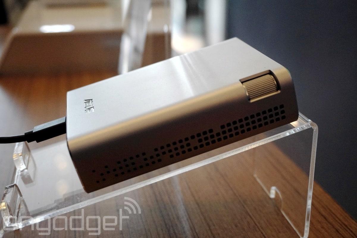 Asus presenta E1Z, il proiettore portatile per dispositivi Android (foto)
