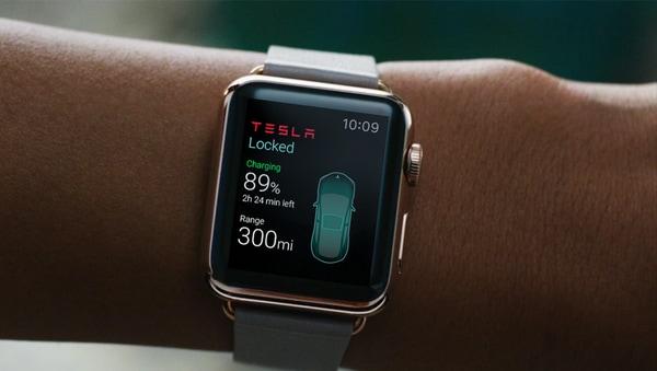 Guardate come si controlla una Tesla Model S con Siri