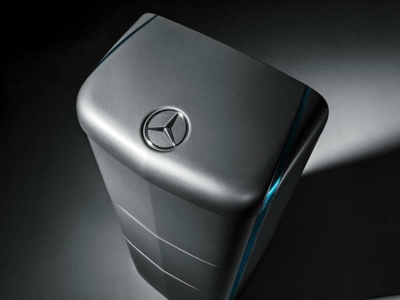 Anche Mercedes entra nel campo delle batterie per la casa