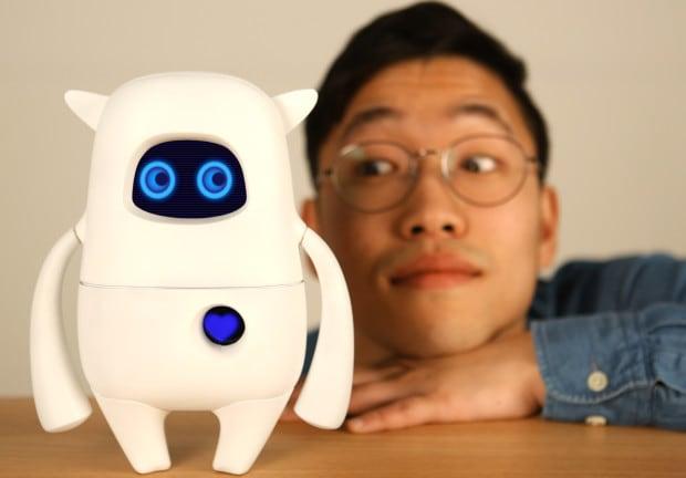 Musio è un simpatico robottino capace di conversare (video)