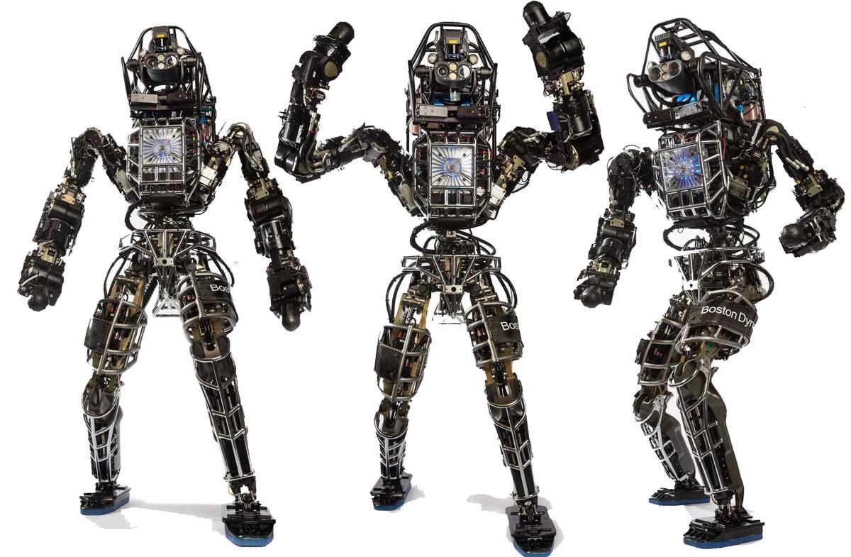 Gli avanzatissimi robot… che non riescono a stare in piedi!