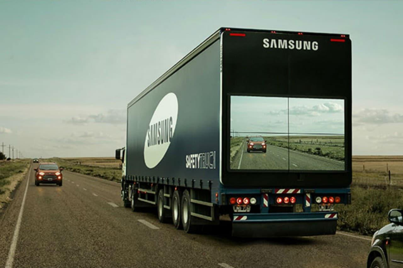 I camion trasparenti di Samsung per evitare gli incidenti (video)